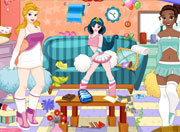 Princess Cheerleader Room Cleaning